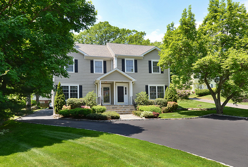 86 Forest St. New Canaan